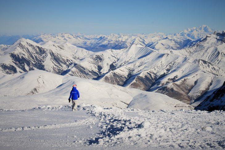 Morze szczytów na terenie Les 2 Alpes.