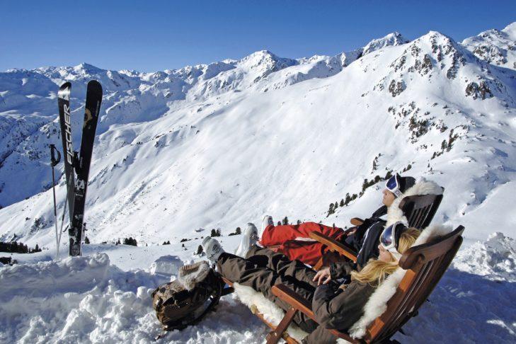 Liczne górskie chatki są wymarzone na krótki odpoczynek.