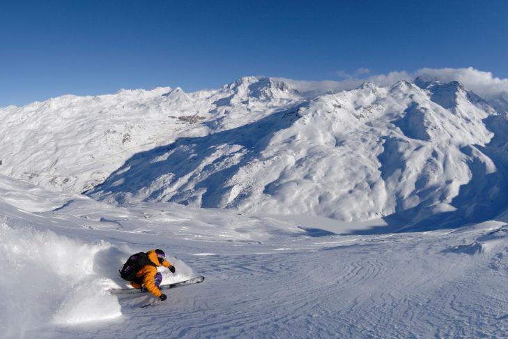 Tereny do jazdy w głębokim śniegu przy Point de La Masse są niezwykle popularne.
