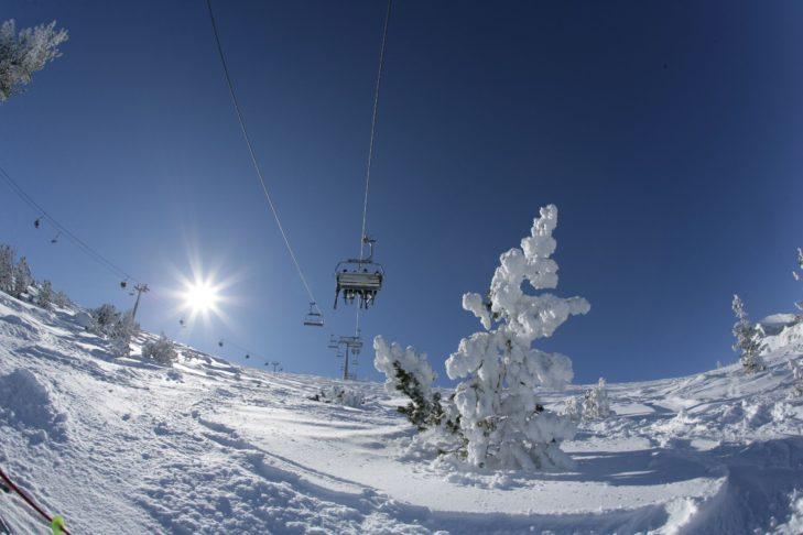 Teren narciarski i ośrodek gwarantują oszałamiające widoki.