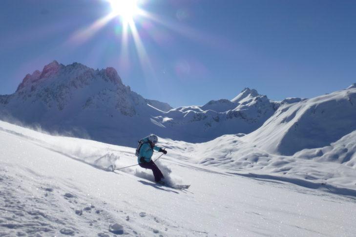 W Valfréjus nie zabraknie malowniczych tras do jazdy w głębokim śniegu.