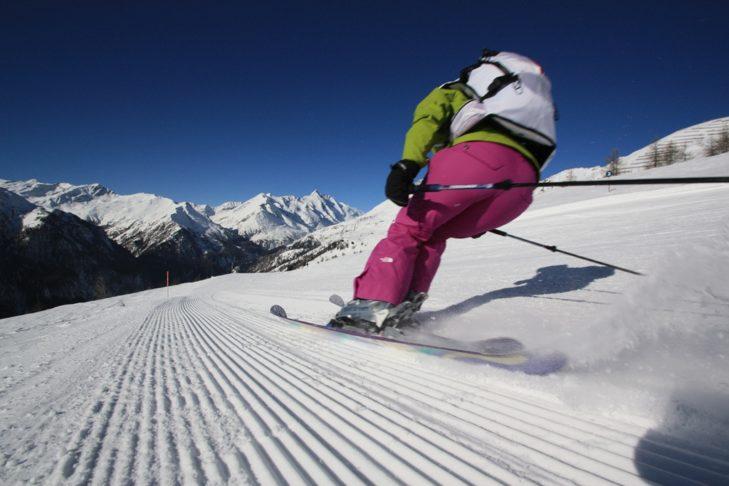 Długie, panoramiczne zjazdy są idealne dla pasjonatów narciarstwa.