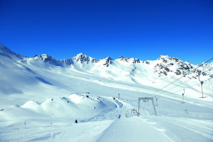 Szerokie stoki na lodowcu Kaunertal.
