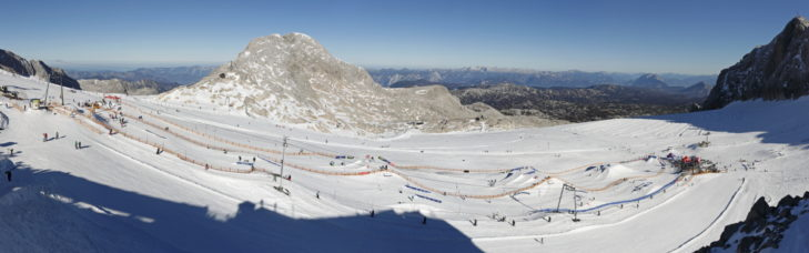 Snowpark na terenie narciarskim Schladming-Dachstein.