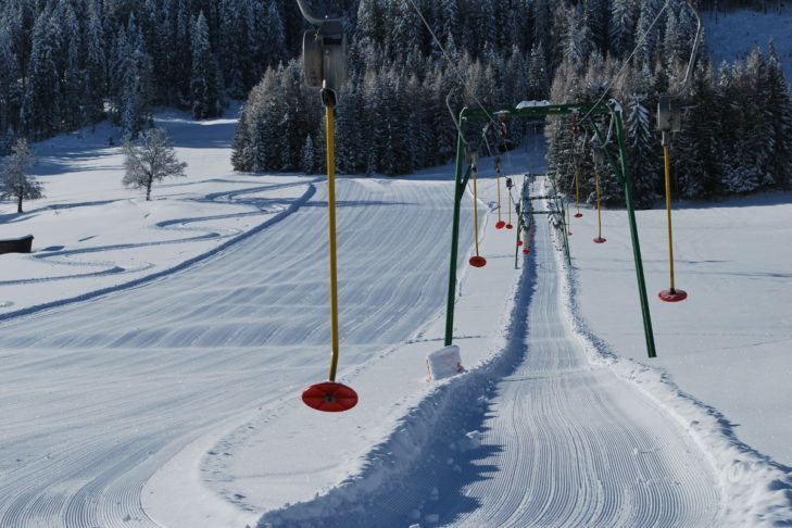 Na terenie narciarskim Kartistch można z powodzeniem ćwiczyć jazdę na nartach.