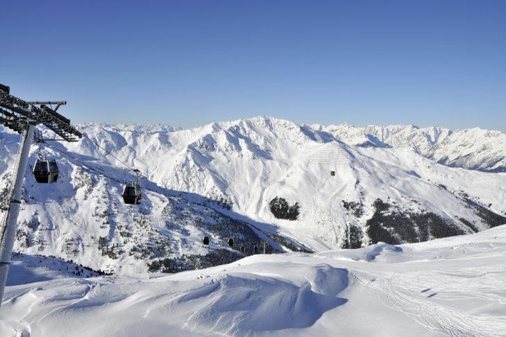 Urlop narciarski w Fügen gwarantuje wspaniałe widoki na szczyty w Dolinie Ziller.