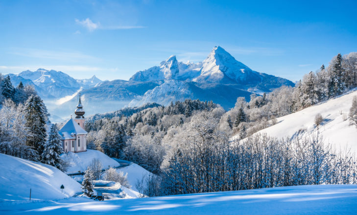 Malowniczy widok na szczyt Watzmann w regionie Berchtesgadener Land.