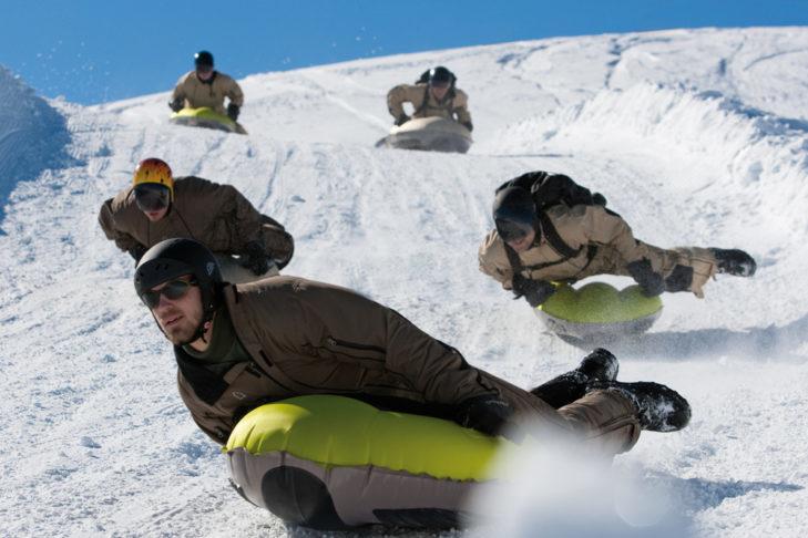 Airboard gwarantuje skoki adrenaliny.