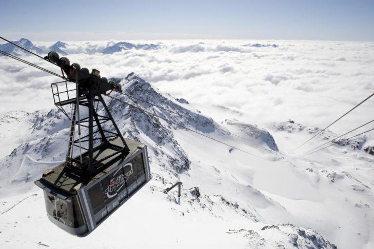 Białe szaleństwo ponad chmurami w Alpe d'Huez.