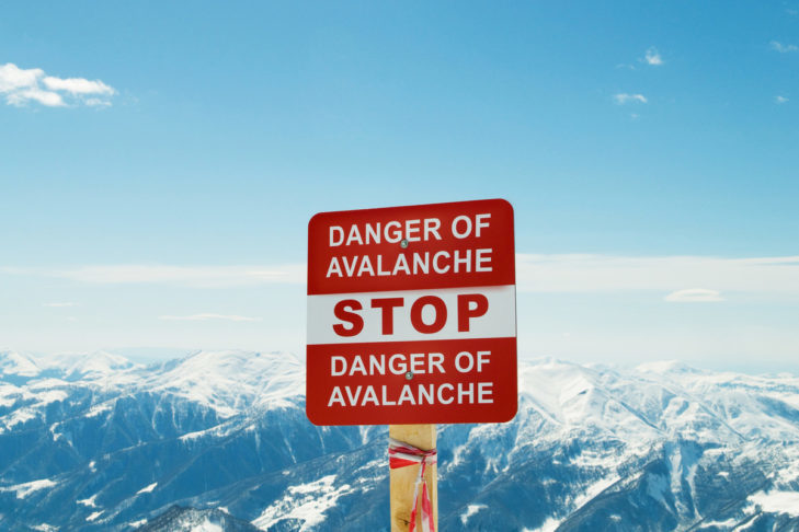 Podczas jazdy koniecznie należy zwracać uwagę na oznakowanie.
