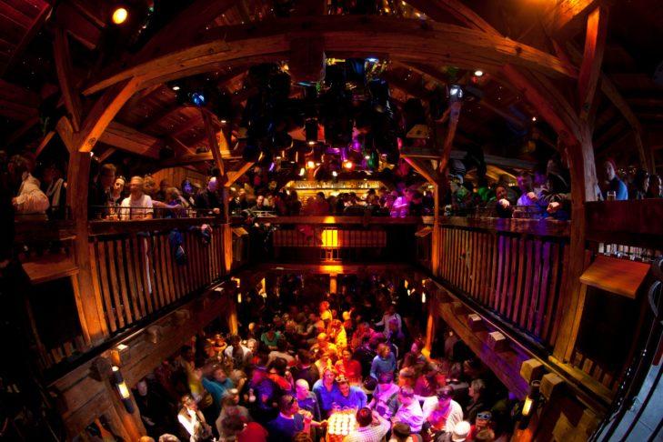 W Mooserwirt o dobrą atmosferę zadbają DJ Gerhard i DJ Thomas.