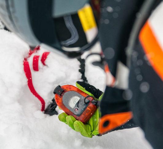 Odpowiedni sprzęt pozwala na szybsze odnalezienie ofiar lawiny.
