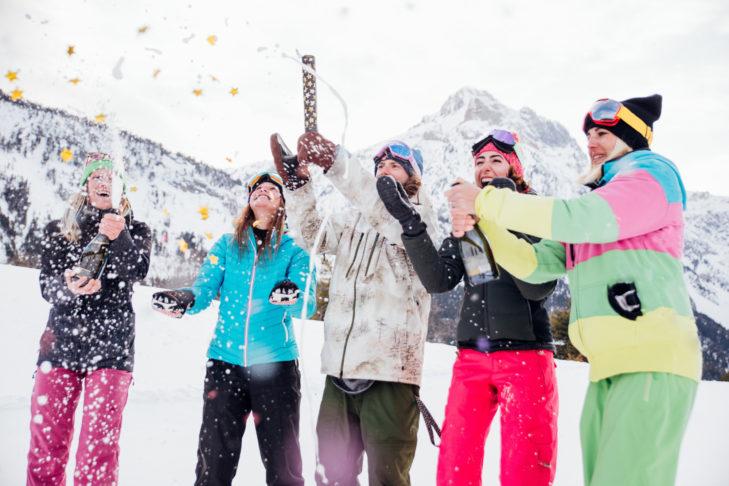 Fani narciarstwa nie chcą rezygnować podczas urlopu z après-ski.