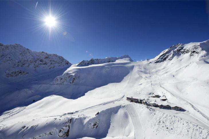 Trasy na lodowcu Rettenbach w Sölden.