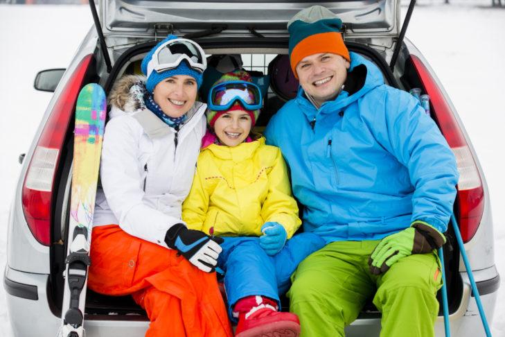 Przed urlopem zimowym w krajach alpejskich warto sprawdzić informacje o opłatach drogowych.