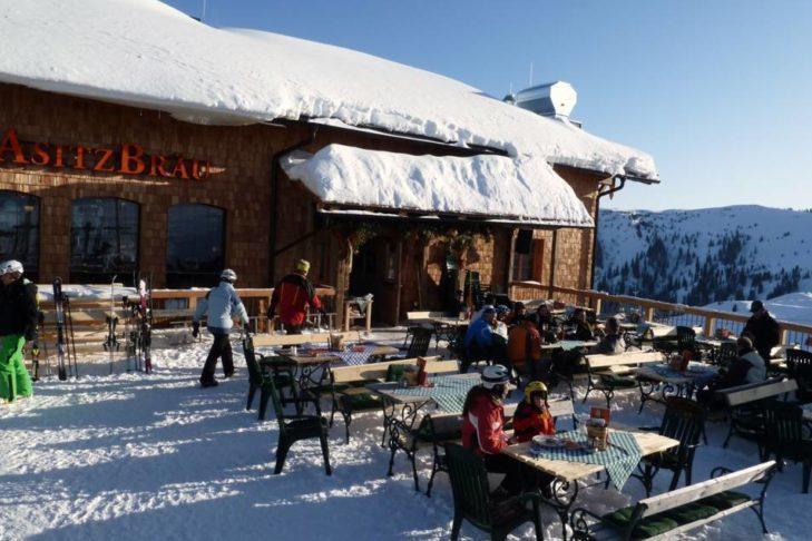 Degustacja piwa w najwyżej położonym browarze AsitzBräu.