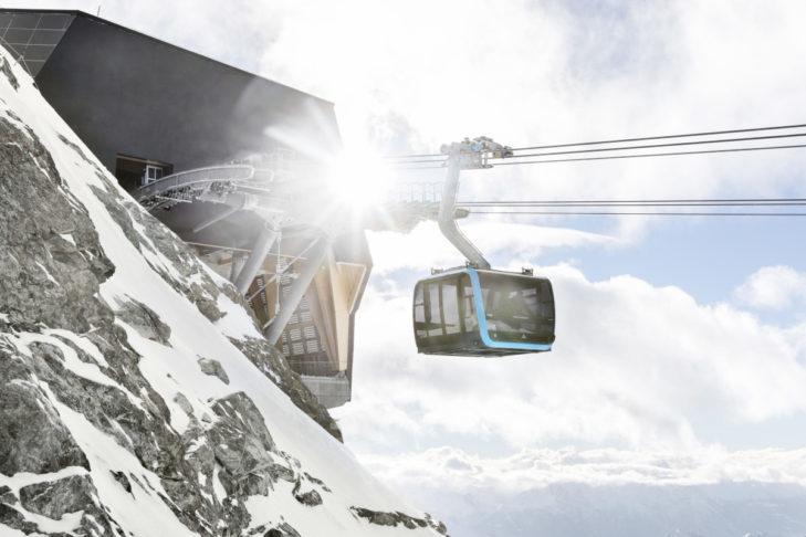 Najwyżej położona stacja górska w Alpach na terenie Matterhorn glacier paradise.