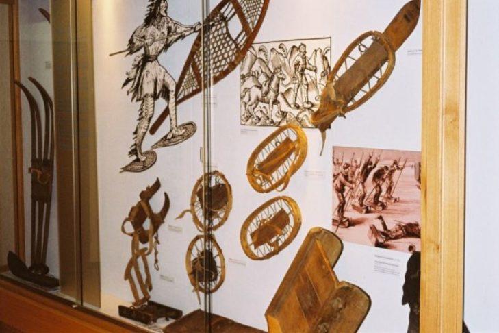 W muzeum można dowiedzieć się więcej na temat historii narciarstwa.