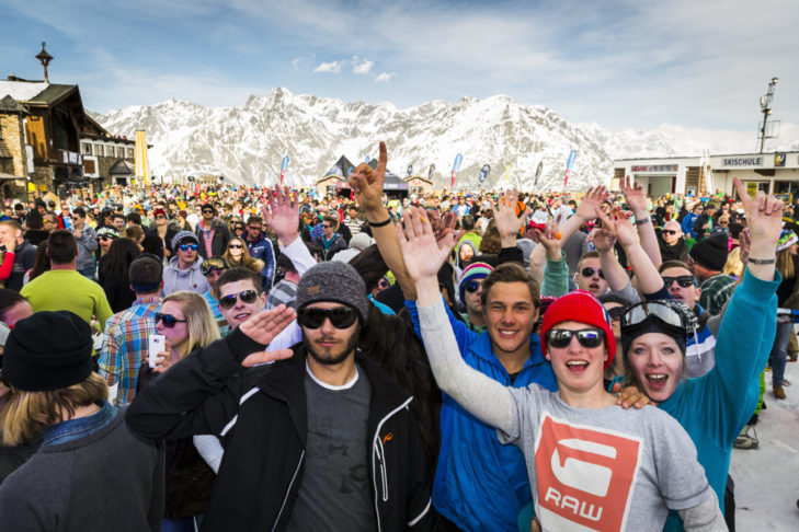 Tłumy na festiwalu Electric Mountain w Sölden.