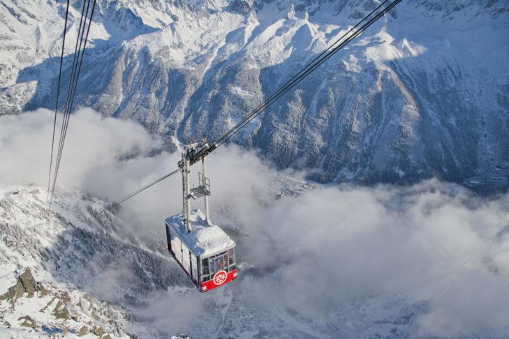 Widok na Mont Blanc, najwyższym szczycie Europy, robi wrażenie.