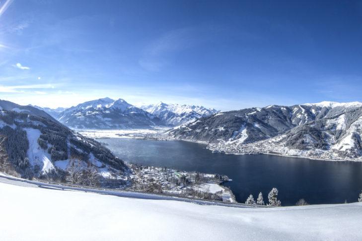 Przepiękny widok na górską panoramę w Zell am See-Kaprun.