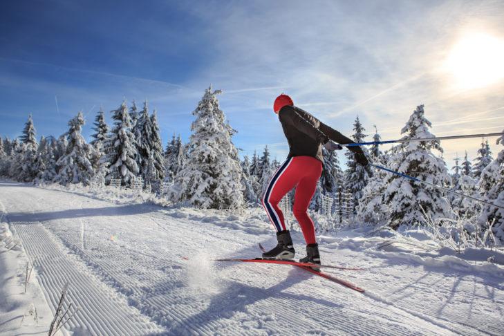 Jazda stylem łyżwowym wymaga sporo energii.